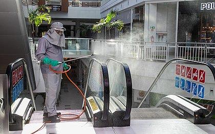 Sem provador, nem promoção: shoppings mudam rotina para funcionar na pandemia
