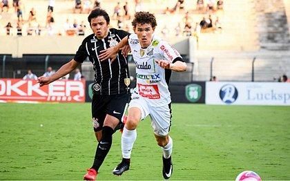 Fabiano tem contrato até outubro e deve ser liberado antes para assinar com o Vitória