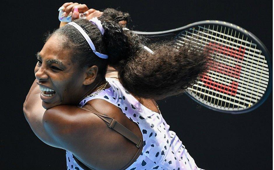 A norte-americana Serena Williams perde para a chinesa Wang Qiang no Aberto da Austrália
