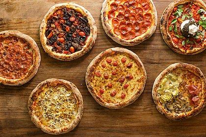 Pizzas da Forneria Pasta em Casa