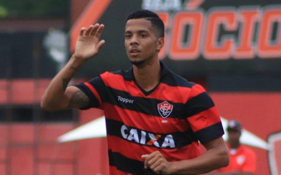 Vitória empresta atacante Flávio ao Fluminense de Feira