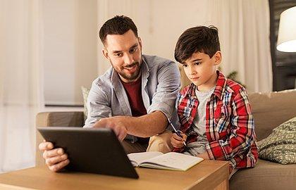 Dia dos Pais: na pandemia, função de pai é mesclada com a de professor
