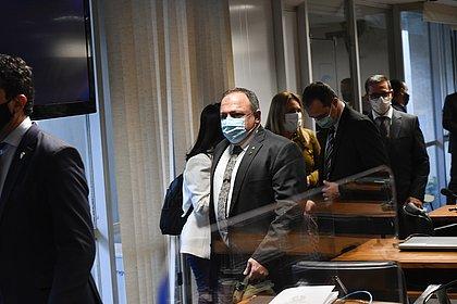 Governo do Amazonas rebate Pazuello e diz que não recusou ajuda federal
