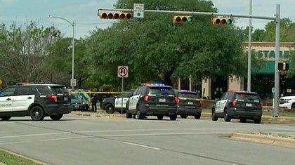 Policiais fecham área de tiroteio em Austin, no Texas (EUA)