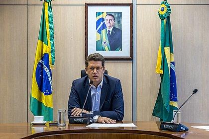 PF encaminha ao STF notícia-crime contra o ministro Ricardo Salles
