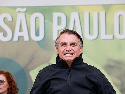 Pressionado sobre combustíveis, Bolsonaro diz ter vontade de privatizar Petrobras