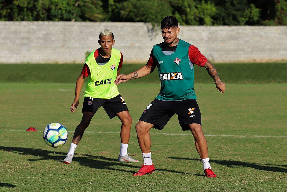 Confira todos os 27 jogadores que o Vitória contratou em 2018. Erick e Léo  Ceará serão titulares contra o Fluminense (Maurícia da Matta EC Vitória) ee9e5ffb237b3