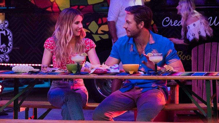 Comédia romântica de Natal com Emma Roberts estreia na Netflix