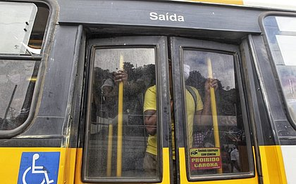 Após 4h de paralisação, ônibus voltam a circular em Salvador