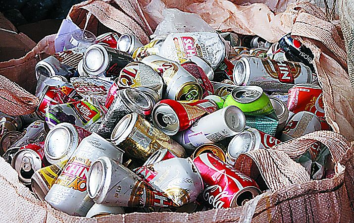 Brasil recicla 280 mil toneladas de latas de alumínio e mantém índice próximo a 100%