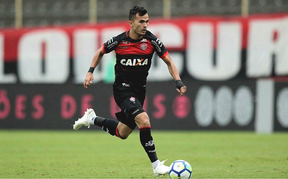9519b2fe14e72 Lucas Fernandes valorizou ponto conquistado contra os paulistas (Arisson  Marinho CORREIO)