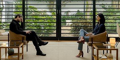 O terapeuta Caio (Selton Mello) e sua supervisora Sofia (Morena Baccarin)