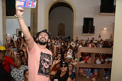 'Eu vejo poesia no povo', diz Bráulio Bessa na Flica
