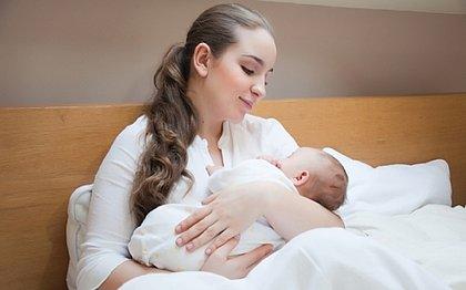 As mães também relaxam quando cantam para os bebês