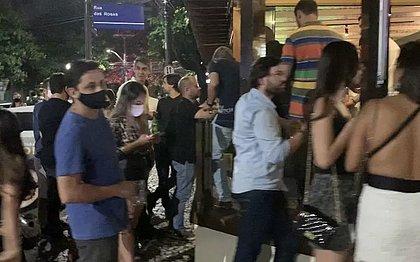Dois bares da Pituba são interditados por causa de aglomeração