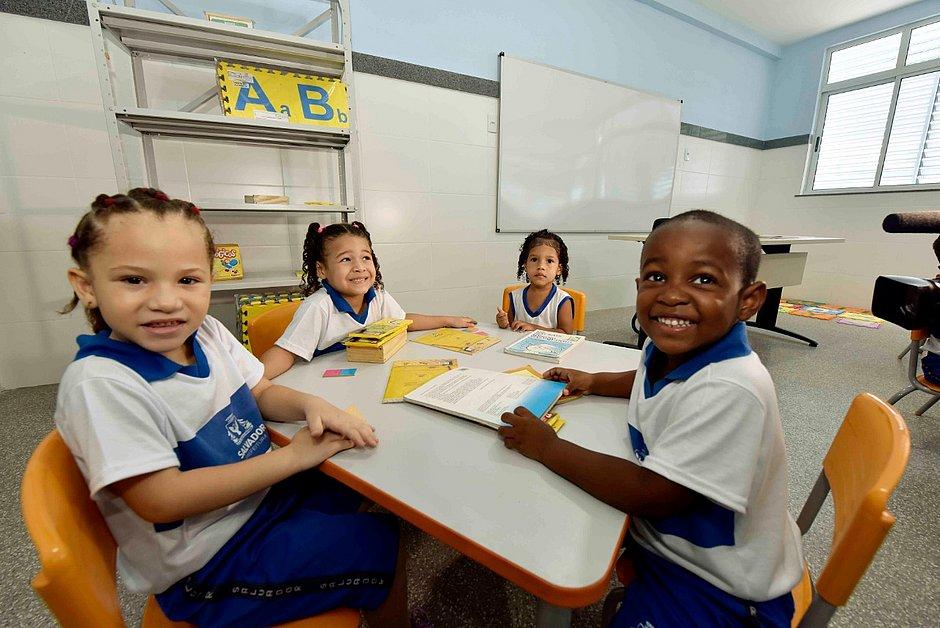 Após obra, escola infantil para mil alunos é reinaugurada no Lobato