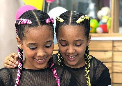 Irmãs Clara e Júlia começaram a tomar gosto pelo empreendedorismo muito cedo e contagiaram a todos