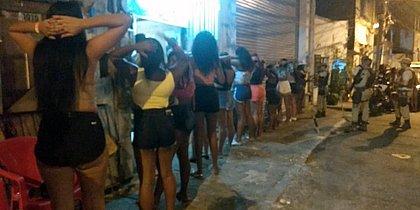 Polícia interrompe festa com funkeiro carioca no Nordeste de Amaralina