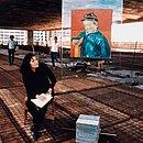 Lina durante a obra da Casa de Vidro, construída no Morumbi para ela e o marido, o curador e jornalista Pietro Maria Bardi