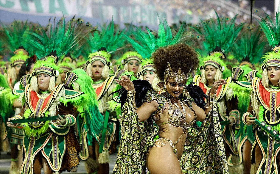 Mancha Verde vence pela primeira vez o carnaval de São Paulo