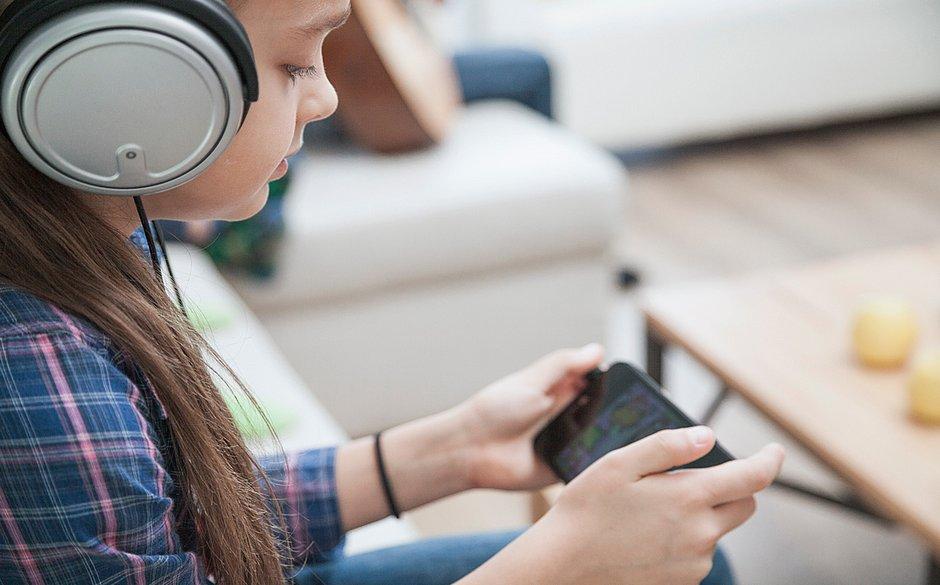 Aplicativo gratuito que auxilia na alfabetização de crianças é lançado no Brasil