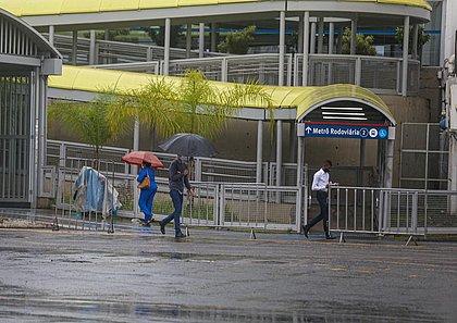 Dia das Mães tem chuva forte e ventos pode chegar a 34km/h em Salvador