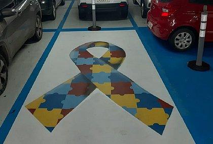 Shopping garante vagas especiais de estacionamento para pessoas com autismo