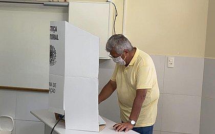 Bacelar vota no Itaigara e torce por 'reconhecimento da população baiana'
