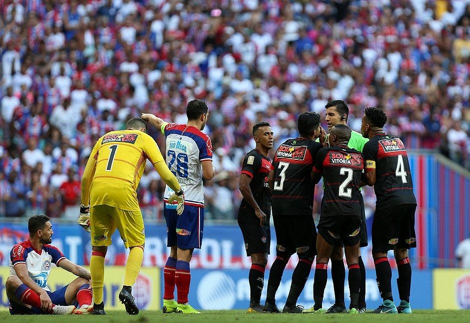 Bahia quer vencer para aliviar pressão; Vitória quer derrubar tabu e vencer a primeira no ano com o time principal