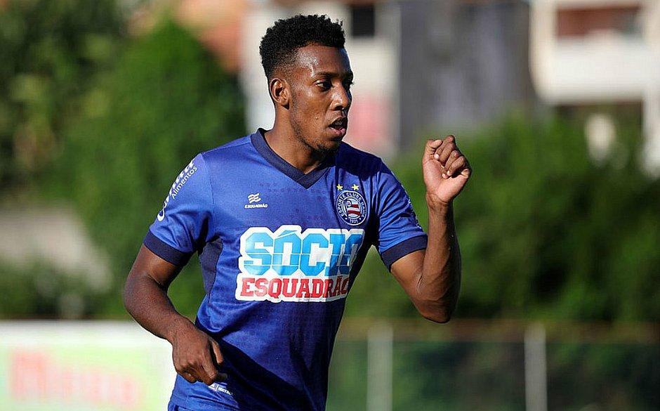 Moisés diz que atrito com a torcida já é passado e mira no jogo contra o Atlético de Alagoinhas