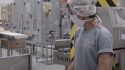 JBS anuncia abertura de 3.500 vagas de trabalho em 13 estados e no DF; 78 na Bahia