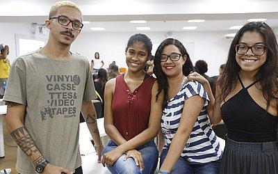 Alunos do curso de Jornalismo da Unijorge