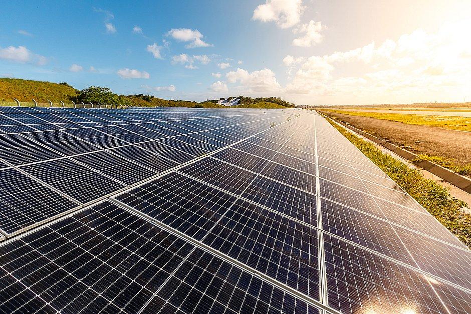 Aeroporto de Salvador funciona com 30% de energia gerada por usina solar