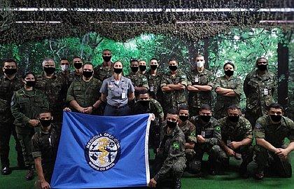 Militares aparecem com máscaras desenhadas no 'Paint' viram chacota na web