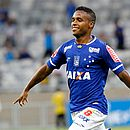 Élber é contratado do Cruzeiro pelo Bahia