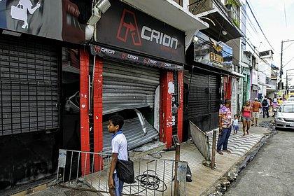 Após grupo de PMs anunciar greve, arrombamentos e saques são registrados em Salvador