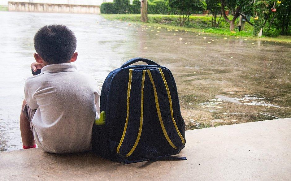 Cerca de 3% das escolas brasileiras enfrentam problemas de intimidação ou ofensa verbal a professores ou funcionários ao menos uma vez por semana