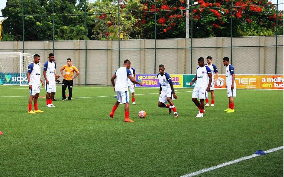 Com foco na final, equipe do Bahia de Feira treina na Arena Cajueiro