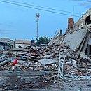 Do antigo sobrado e quatro imóveis que havia ao lado, sobraram somente escombros
