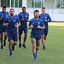 Após voltar da Argentina, elenco do Bahia treinou no CT do Fluminense, no Rio de Janeiro