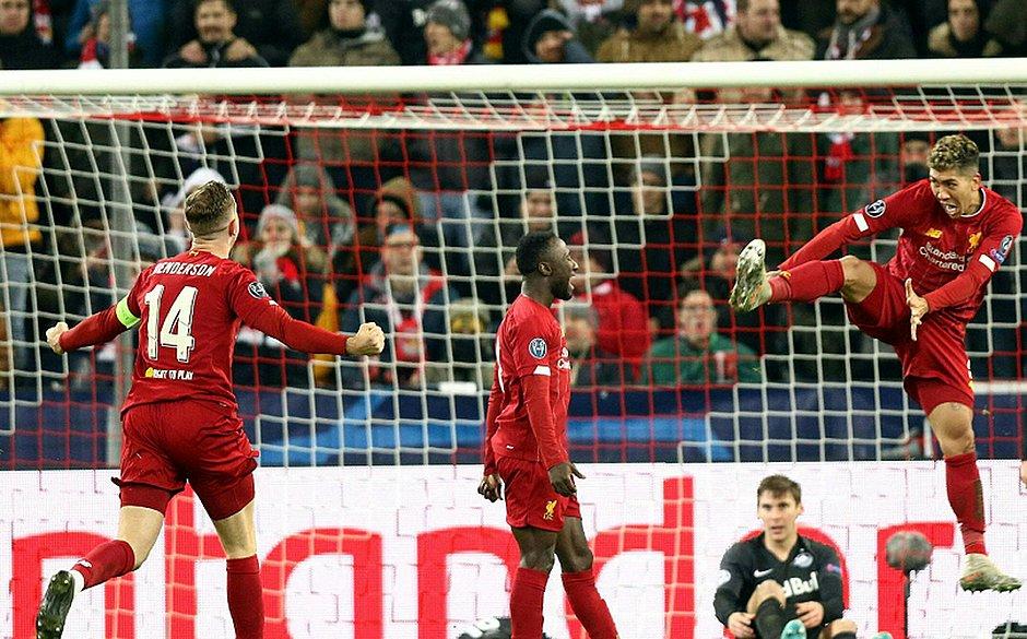 Liverpool bateu o Salzburg e se garantiu na segunda fase da Liga dos Campeões
