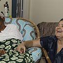 Mãe Stella de Oxóssi, em Nazaré das Farinhas, com a companheira Graziela Domini