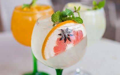 Álcool fit: receitas de drinques para beber sem acabar com a dieta