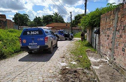 Traficantes matam mãe de traidor e deixam a avó baleada em Dias d'Ávila