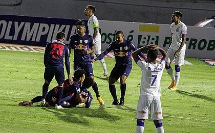 Facilmente dominado, Bahia foi goleado pelo Bragantino e quebrou sequência positiva na temporada