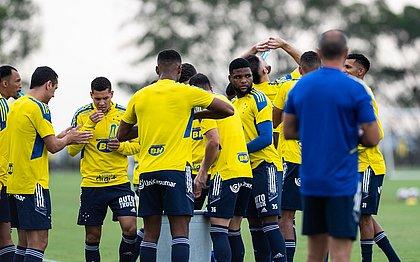 Jogadores do Cruzeiro em treino: equipe anunciou greve