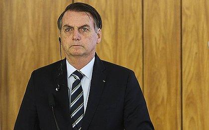 Bolsonaro corta orçamento do Minha Casa, Bolsa Família e Fies em 2020
