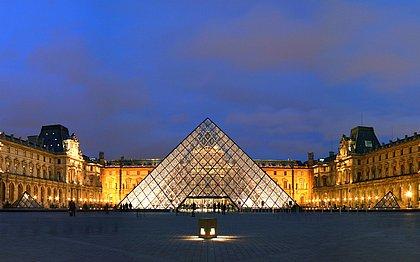 Um dos maiores museus do mundo, o Louvre está disponível para tour virtual