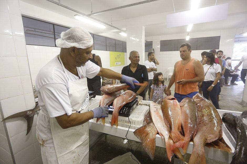 Óleo no mar: começa cadastro de pescadores e marisqueiras da região da Ribeira