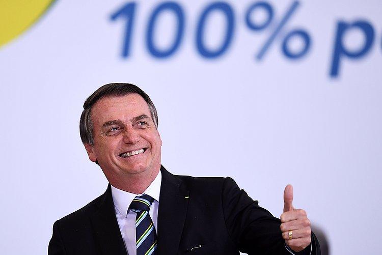 Bolsonaro ataca militar que o criticou por fala sobre nordestinos: 'Melancia'